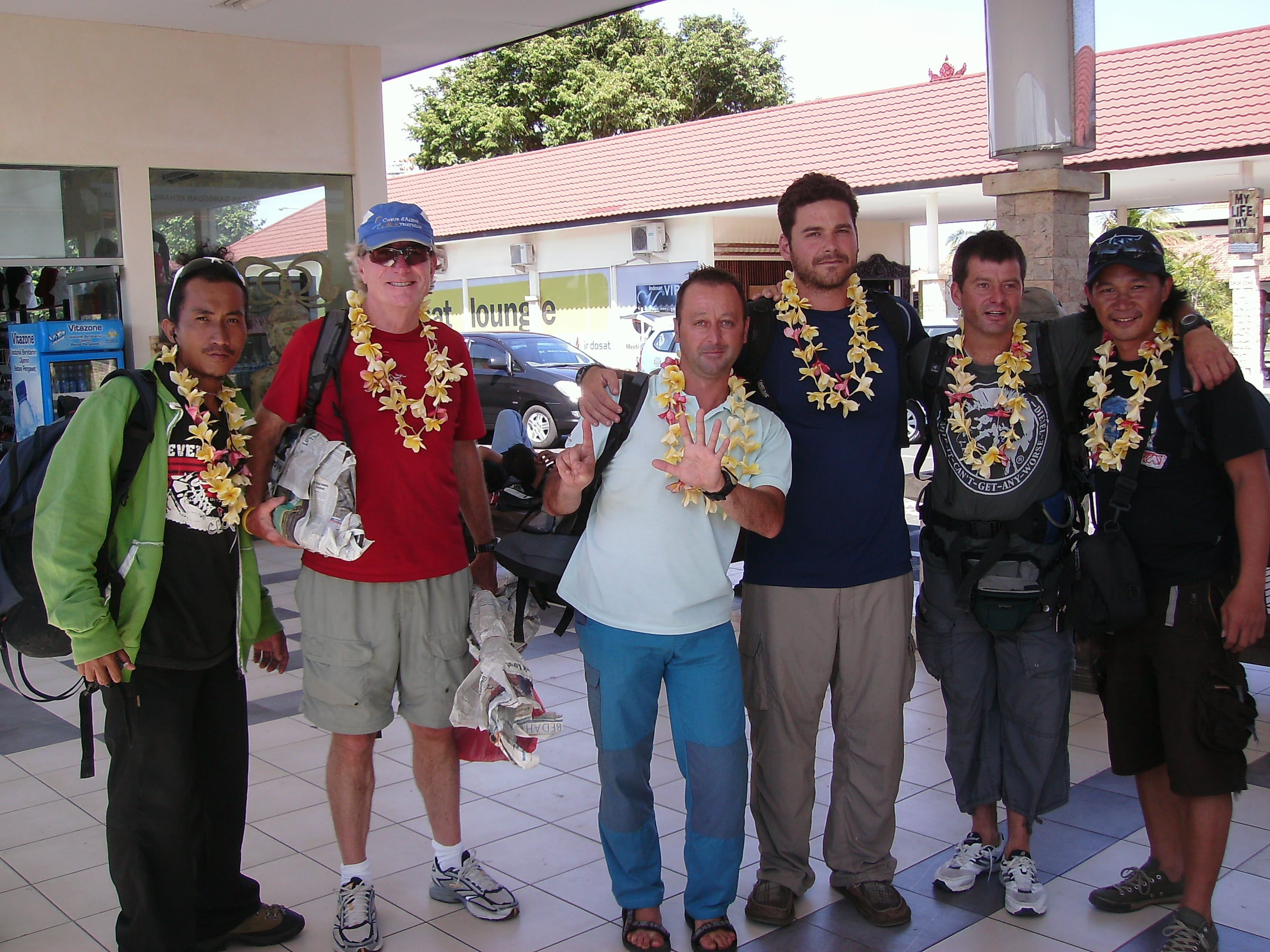 March 2009 - Arrive Bali after expedition.JPG