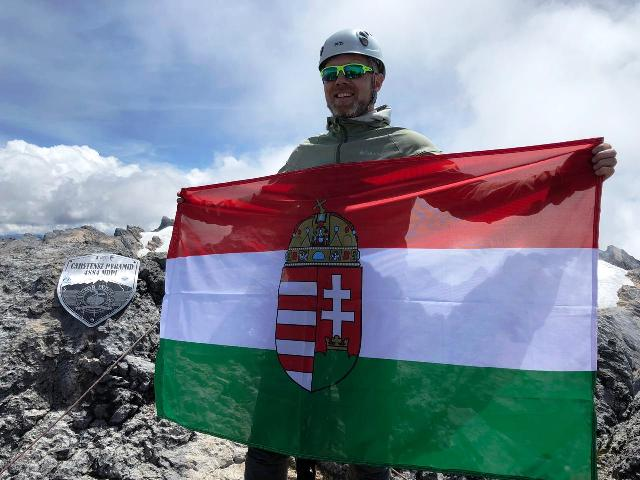 Proud Flag on Carstensz Summit.jpg